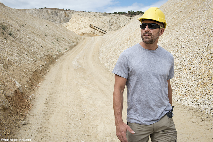 Bolle Safety polarised safety glasses help prevent UV damage from glare and sunlight
